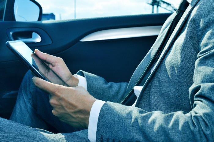WLAN im Auto – kabelloses Internet während der Fahrt