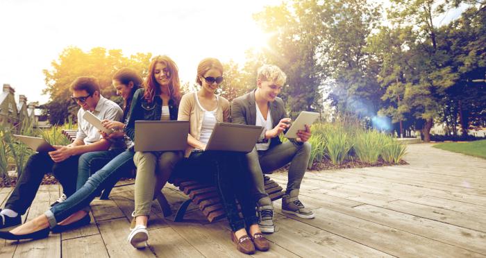 WLAN für draußen – WiFi-Angebote vom Garten bis zum Campingplatz